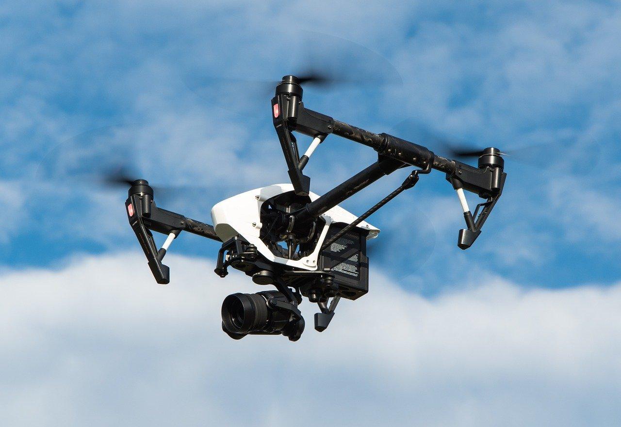 drone-1080844_1280.jpg