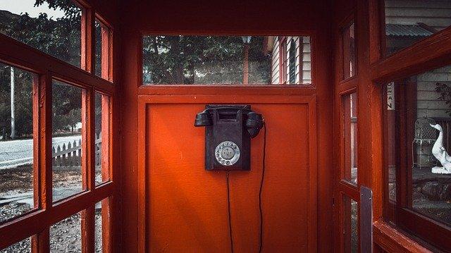 telephone-2590504_640.jpg
