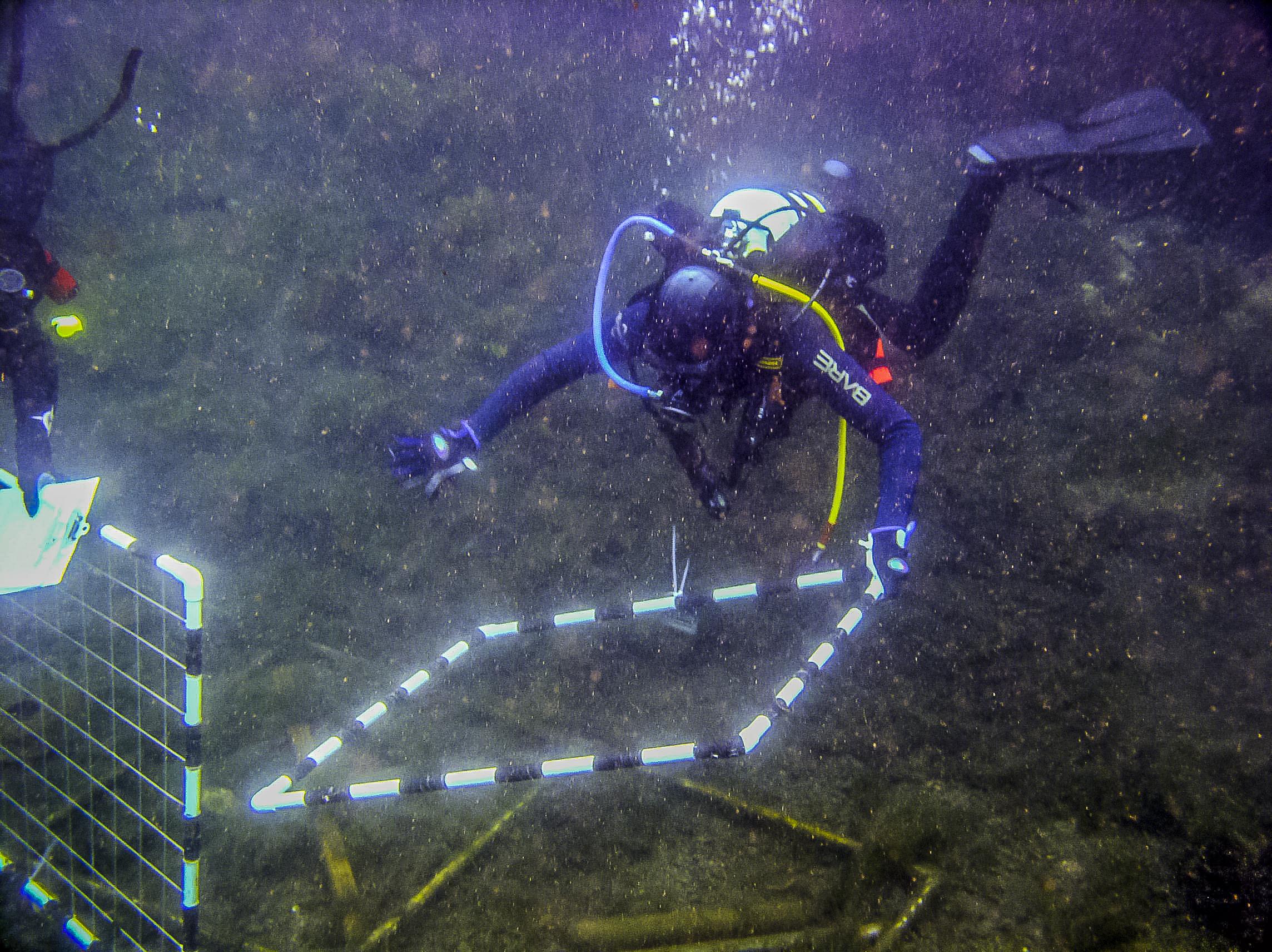 03_21_04_Underwater_Archaeology_2.jpg
